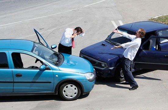 تصادف با ماشین اجاره ای